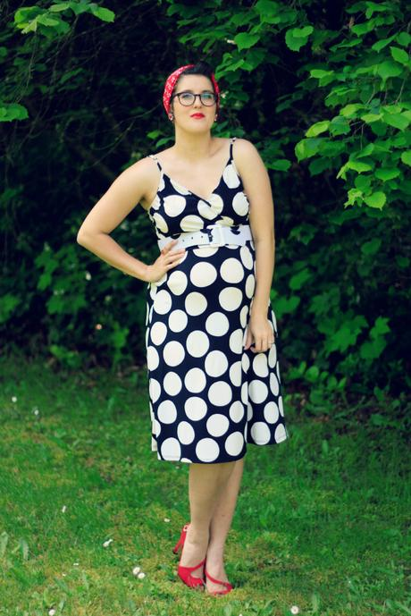 Polka dots, red lips, and mom confessions | www.eccentricowl.com