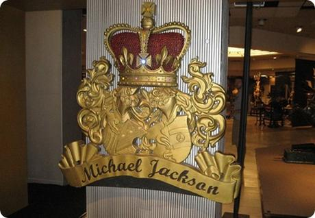 Michael-Jacksons-Gold-Leaf-Gate-of-Planet-M