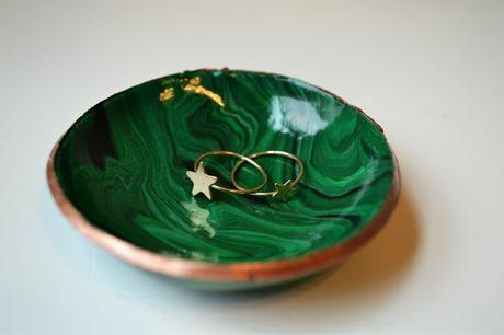 New Obsession: Faux Malachite Ring Bowls