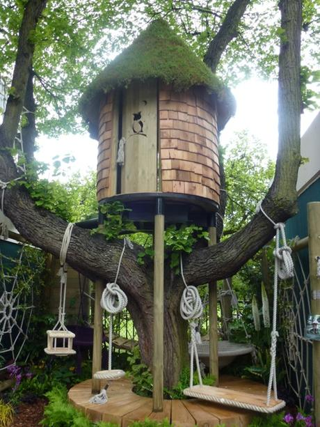 impressive treehouse at the Chelsea flower show
