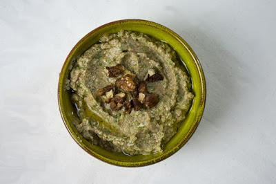Black Eyed Peas, Walnut and Spinach Hummus