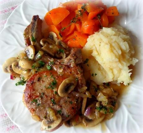photo Pork Chops with mushrooms and shallots_zpsuv248avc.jpg