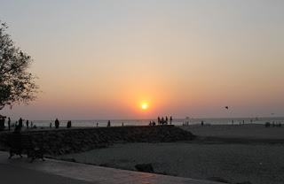 But one thing that stands out in Cochin is the Fort Cochin Beach.