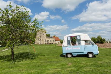Furtho Manor Farm Wedding Photography Relaxed Informal Alternative