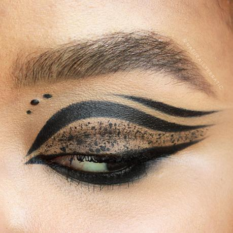 Dramatic Black Eye Makeup