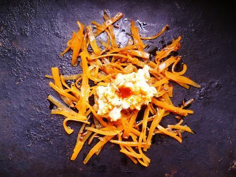 roasted carrots with crème fraîche and harissa dressing