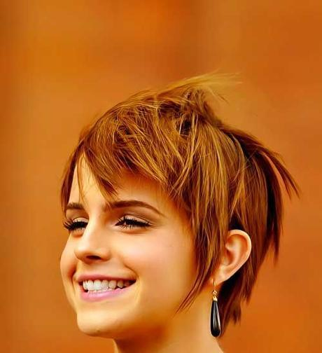 Close cropped hairstyle for round face