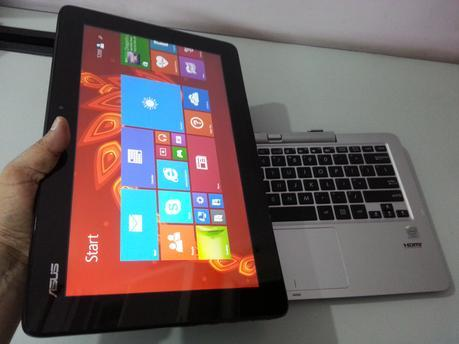 ASUS Transformer Book T200: Laptop cum Tablet device