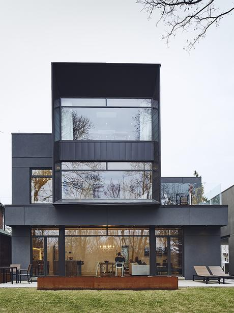 On a peaceful wooded lot a futuristic toronto home is for Smart home architectures