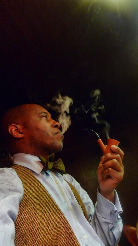 Briar Pipe from Connoisseur NYC, Ed Burak / Cafe de L'Ambre, Ginza, Tokyo, Japan / Leica D-Lux 4