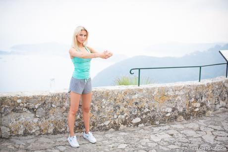 Fitness On Toast Faya Blog Girl healthy Workout Benefits of Stretching Hennes HM Brita Water Hydration Why to Lengthen Muscle_-11
