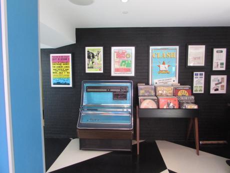 verb-hotel-lobby-jukebox-horizontal