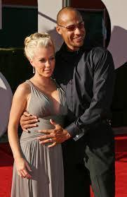 A pregnant Kendra Wilkinson with Hank Baskett