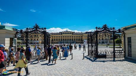Schonbrunn Palace - Versailles with an Austrian flair