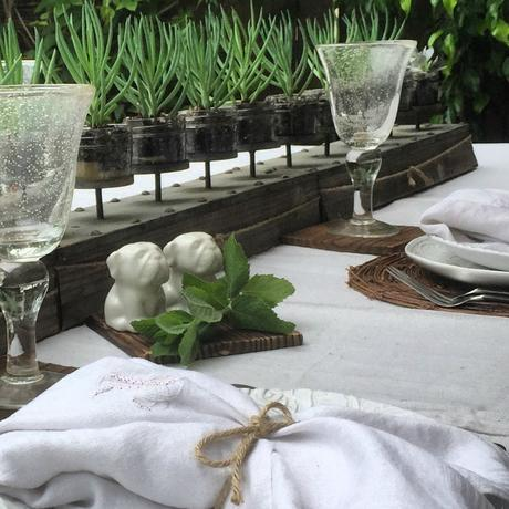 A Simple Alfresco Table Setting