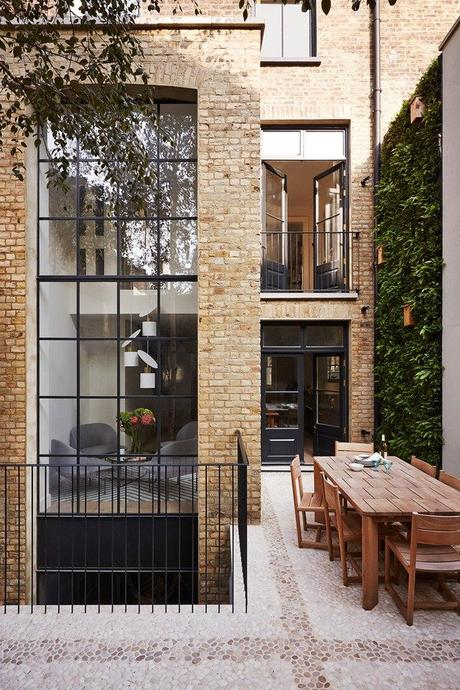 Sophisticated Notting Hill Town House - 2 storey game changing windows