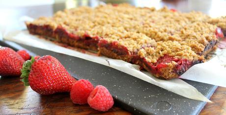 Berry Delicious Crumb Bars