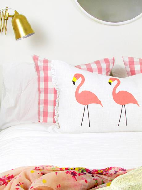 Flamingo-Pillow1-2