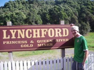 A lonely train to Lynchford