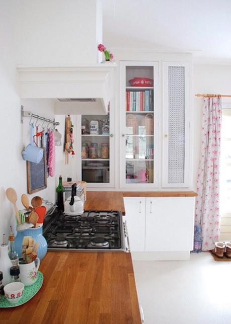 microwave-cabinet-yvonne-eijkenduijn