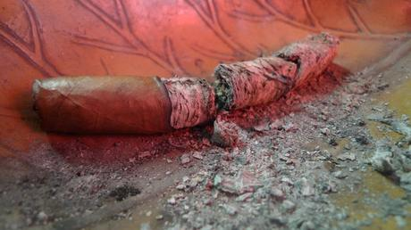 A Flatiron #2, almost smoked into complete ashes / Martinez Hand Rolled Cigars, New York, NY / Leica D-Lux 4
