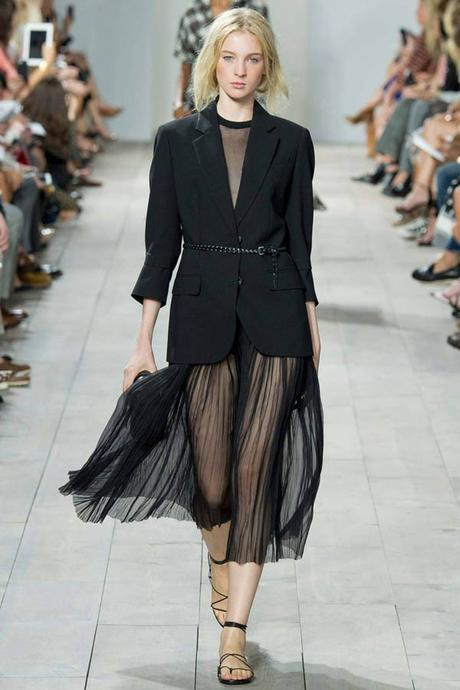 5 ways to pull off the Sheer Trend