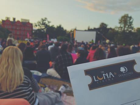 outdoor cinema in london - the luna cinema