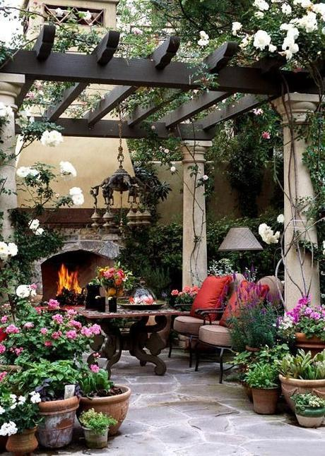 outdoor eating area with pergola