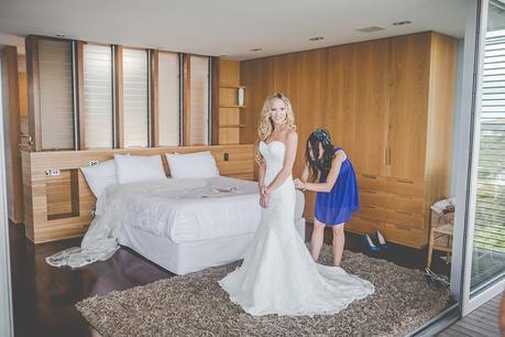 Dani & Matt. A Classically Beautiful Waiheke Wedding by Jessica Photography