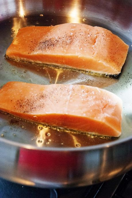Salmon in mushroom cream with quinoa paperblog for What saltwater fish are in season now