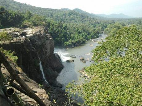 Athirappilly Falls…Paradise In Disguise!!!!