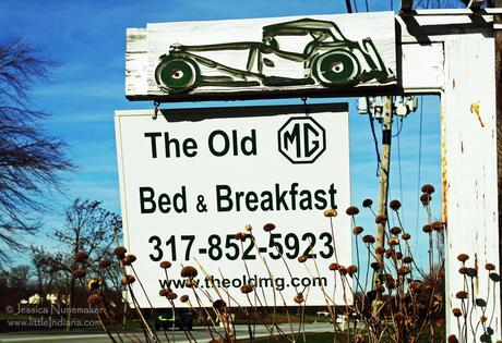 Brownsburg, Indiana: The Old MG Bed and Breakfast Sign