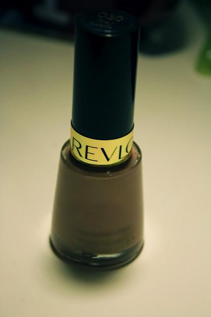 Revlon Nail Polish in 030 Gray Suede