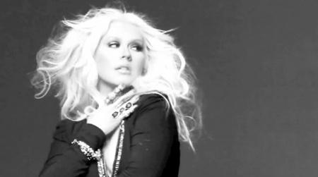 Latina: Christina Aguilera says My Bed Is My Domain, My Throne