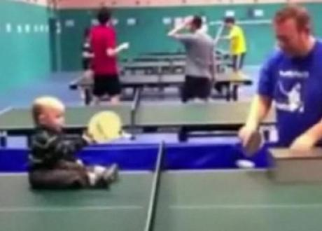 Table tennis toddler hits balls with bat, internet goes crazy