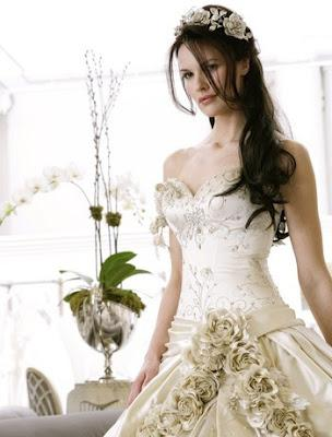 Best wedding dress designers paperblog for Top 5 wedding dress designers