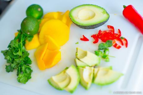 Fitness On Toast Faya healthy blog girl recipe food diet tasty easy quick health protein mango prawn summer salad-3