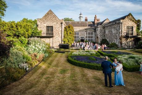 RT_Hall_Park_Place_Reception_Garden