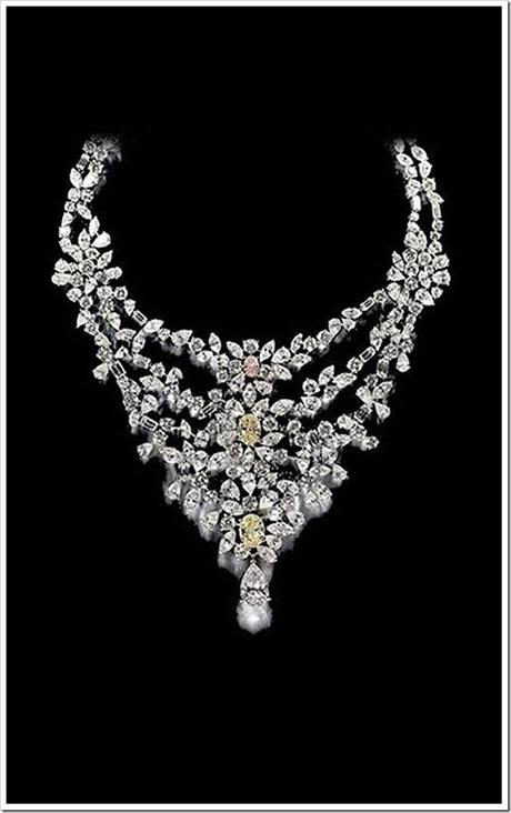 Marie-Antoinettes-Necklace
