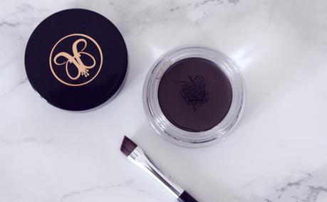 Beauty | Eyebrows on 'Fleek' with Anastasia DipBrow Pomade