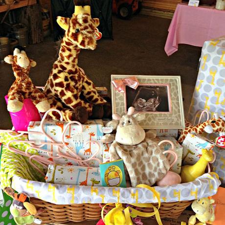 Giraffe Baby Gifts And Wrapping Paper