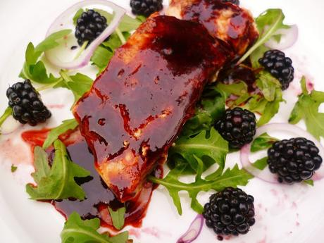 salmon and blackberry salad with blackberry dressing