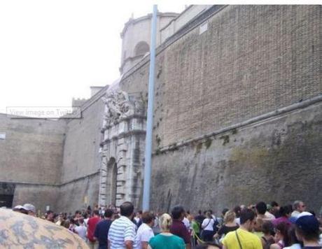 Vatican wall2