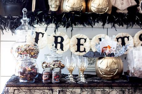 Halloween Party // Trick-Or-Treat Almond Bark and BOO Kit DIY