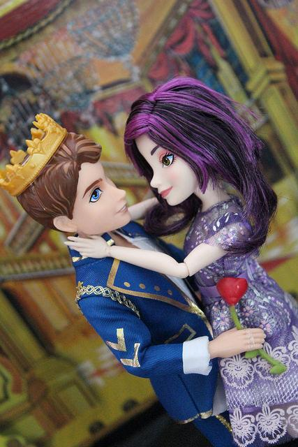 Dolly Review Disney S Descendants 2 Pack Mal And Ben