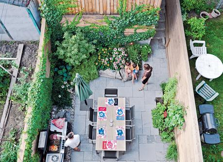 Chong left enough space in the 16-foot-wide backyard for a garden and comfortable dining area.