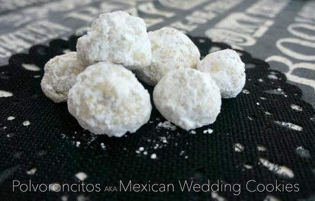 Dia De Los Muertos Traditions: Polvoroncitos or Mexican Wedding Cookie {Recipe}