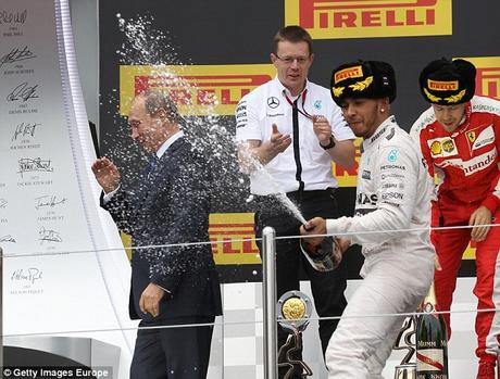 Sochi ~ F1 Hamilton .......... and Putin soaked !!
