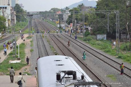 folly of people crossing Railway tracks - despite so many fatal accidents