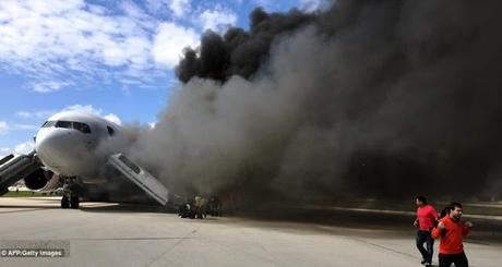 Dynamic Airways Boeing 767 catches fire at  Fort Lauderdale–Hollywood International Airport